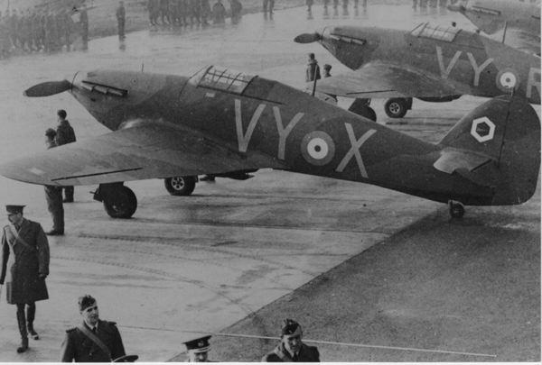 85 Squadron aircraft