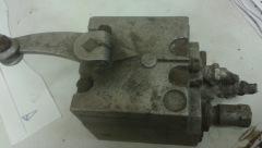 Pneumatic brake valve